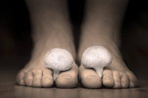 Katy foot care Mushrooms between the toes feet imitating toes fungus